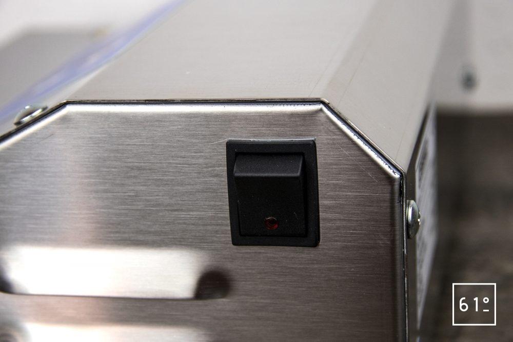 Review de la sous videuse réglette Casselin CMSV35 - interrupteur