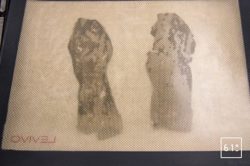 Chips de peau de sole - étaler entre deux plaque en silicone