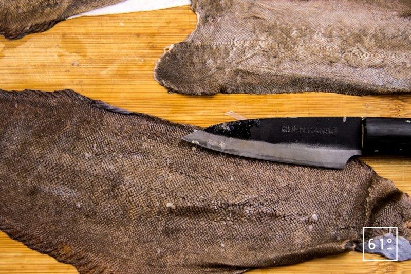Chips de peau de sole - préparer les peaux de sole