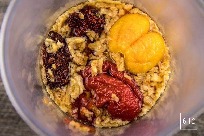 Sauce pimentée au Trinidad Moruga Scorpion et Bhut Jolokia - rassembler les ingrédients et laisser réhydrater
