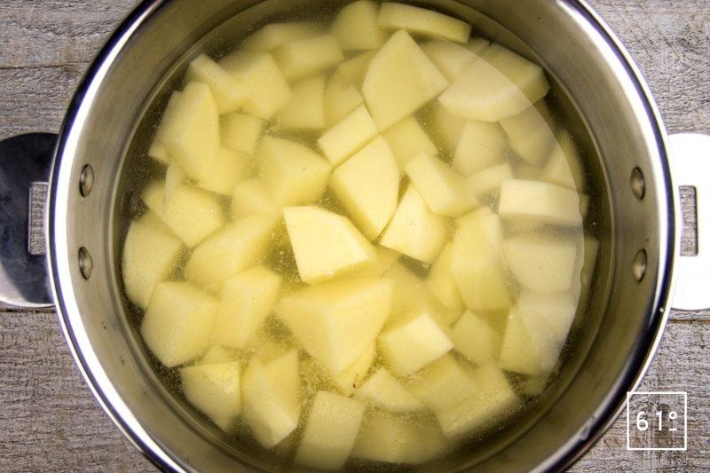 Boudin parmentier - cuire les cubes de pommes de terre