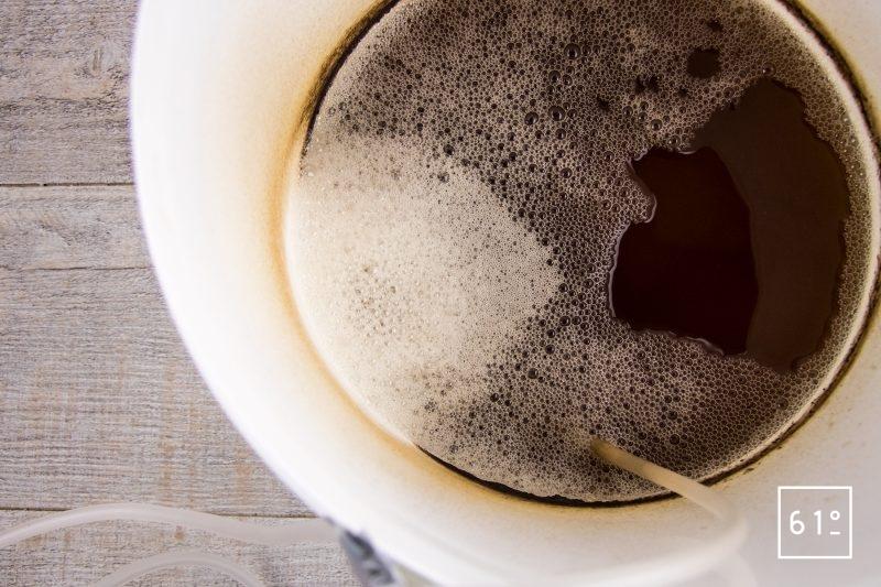 Vinaigre de bourbon et de rhum - laisser buller 8 à 12 jours