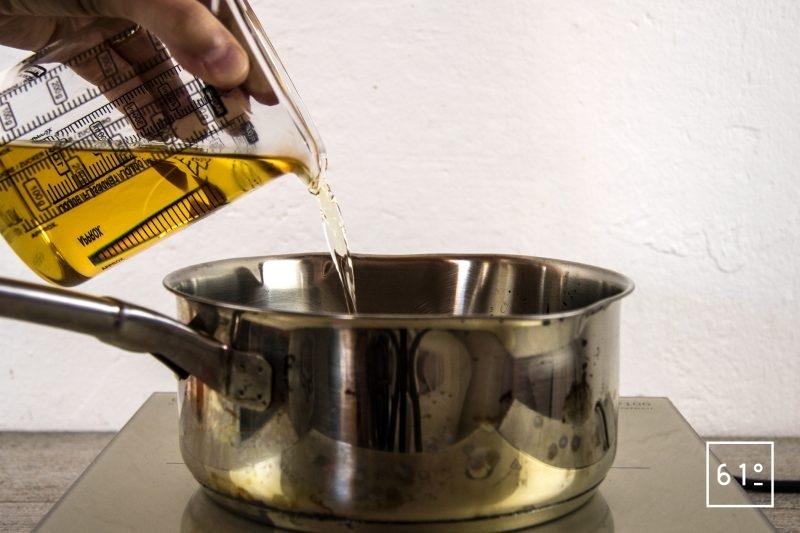 Vinaigre de bourbon et de rhum - remettre du mélange