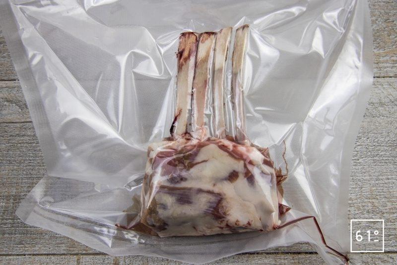 Carré d'agneau et polenta - mettre sous vide