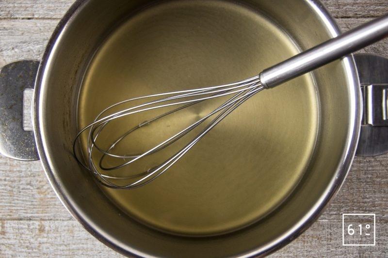 Amuse bouche à l'huitre et à la crème de riz - faire fondre la gélatine