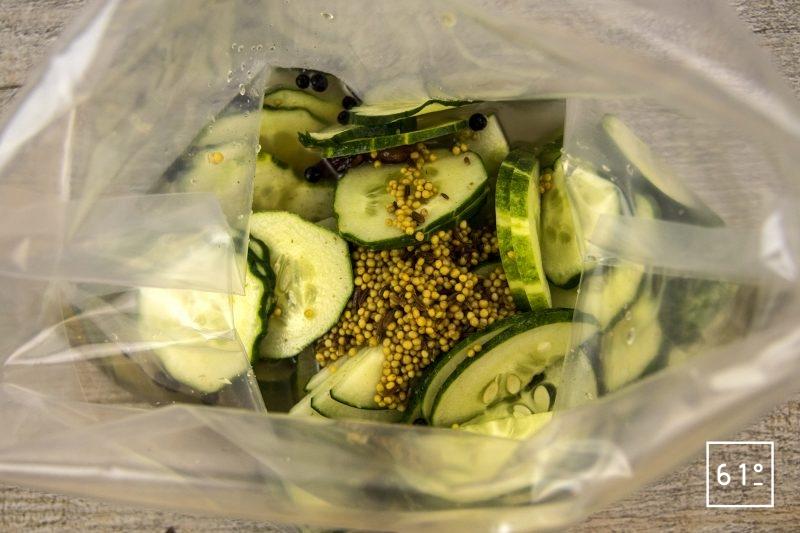 Pickles de concombre - mettre sous vide