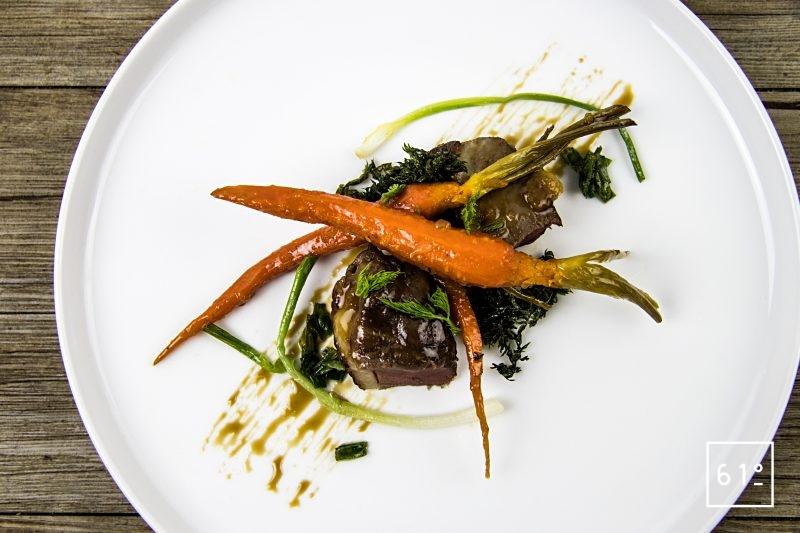 Magret de canard basse température sous vide et carottes glacées au yuzu