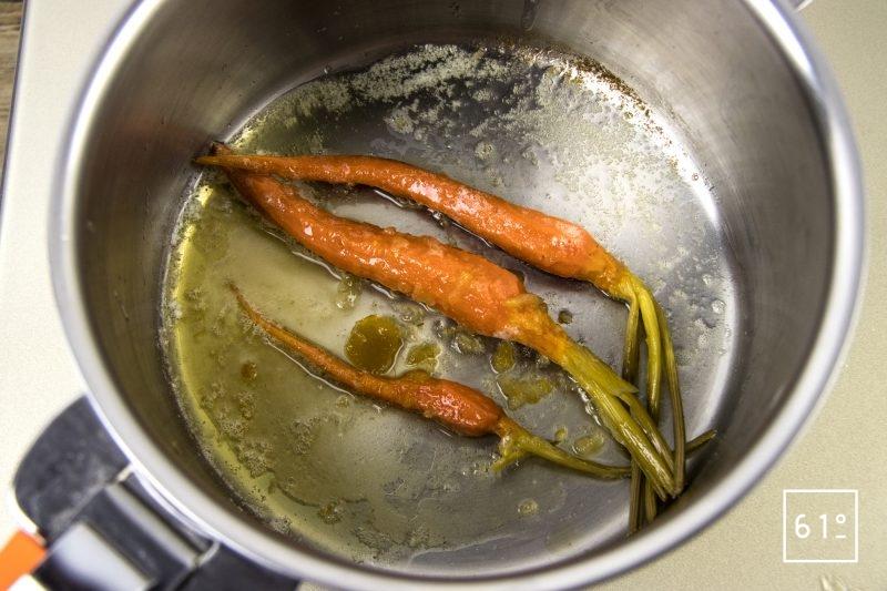 Magret de canard basse température sous vide et carottes glacées au yuzu - glacer les carottes