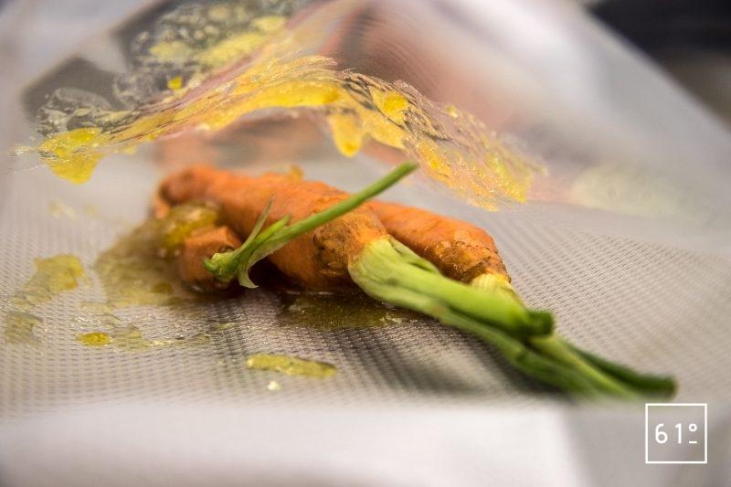 Magret de canard basse température sous vide et carottes glacées au yuzu - mettre sous vide les carottes