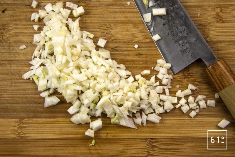 Palourdes basse température, fenouil, sur jus de veau gélifier, émulsion de fenouil - découper le fenouil