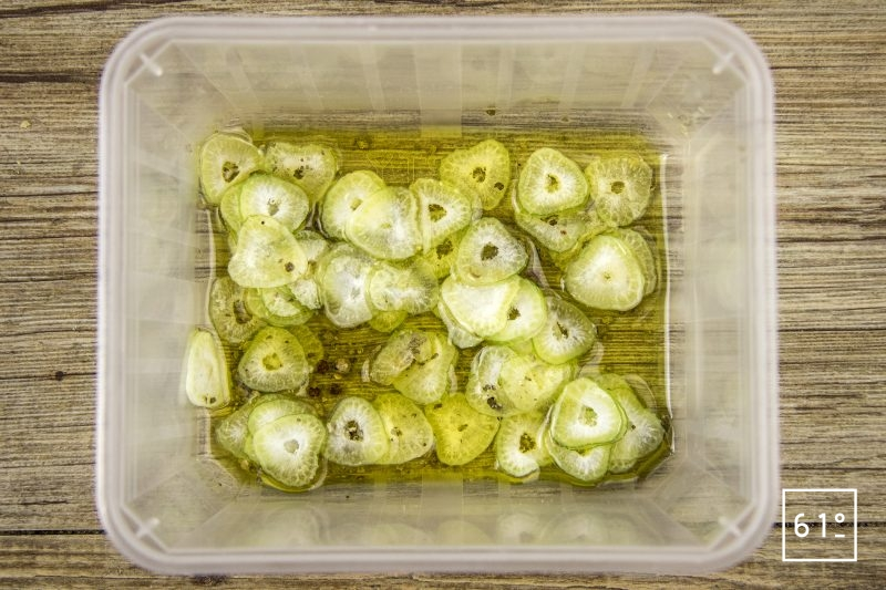 Palourdes basse température, fenouil, sur jus de veau gélifier, émulsion de fenouil - préparer le fenouil mariné