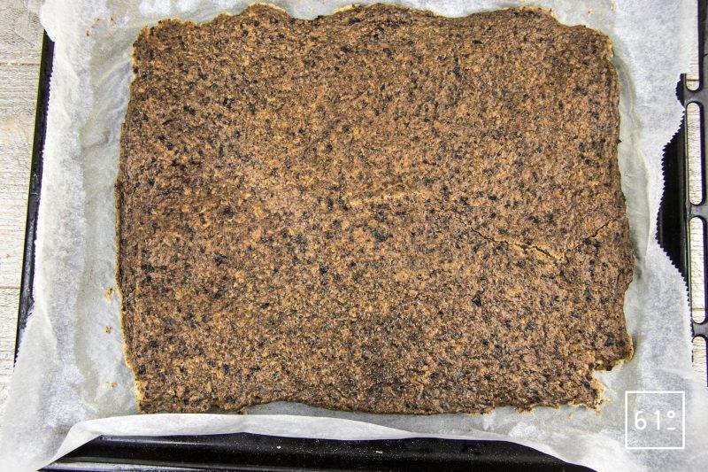 Crackers aux olives noires - cuire