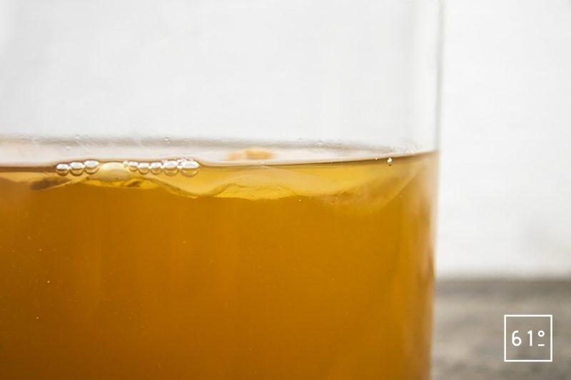 Kombucha de pomme - surveiller la fermentation et l'évolution de la mère de kombucha