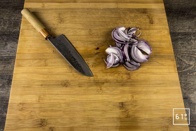 Tartines de Picahna de Black Angus Challenge Lascours avec King of the grill - Alexandre Hurson - Maison Boucherie Lascours - Préparer les oignons rouge pour les pickles