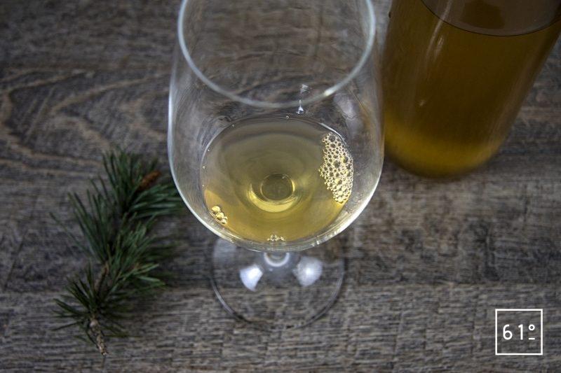 Alcool de bourgeons de pin