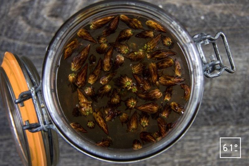 Alcool de bourgeons de pin - mettre sous vide