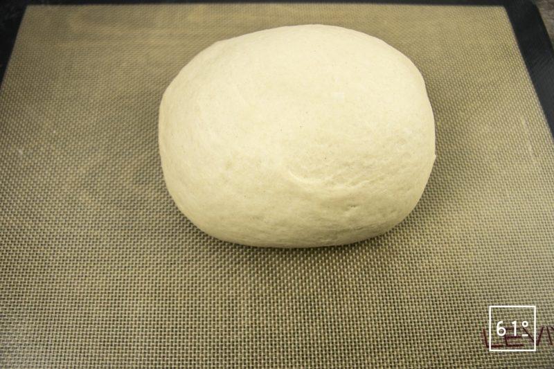 Faluche le pain Ch'ti - former une boule