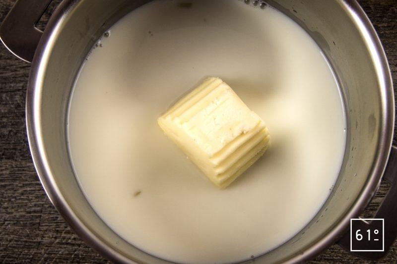Os à moelle et mousseline de céleri rave - faire fondre le beurre dans le lait et ajouter le céleri cuit sous vide