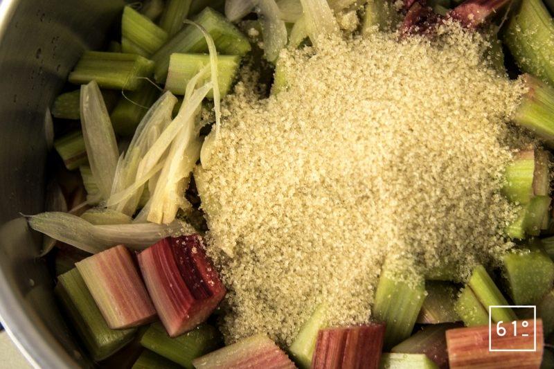 Chutney de rhubarbe - rassembler