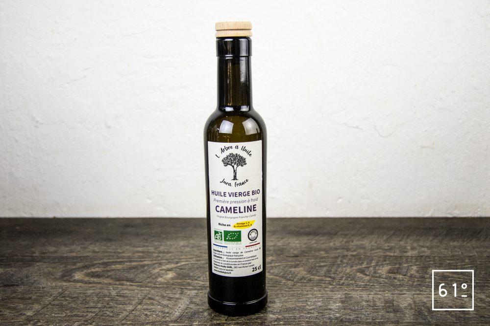 Les huiles de l'arbre à huile- huile de cameline