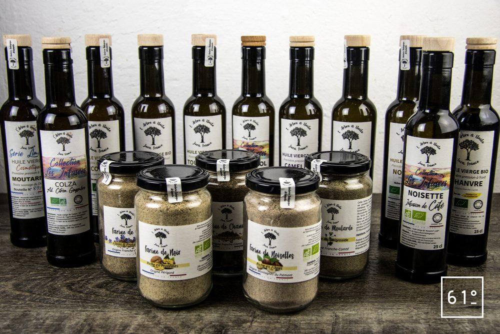 Les huiles de l'arbre à huile- huiles + farines