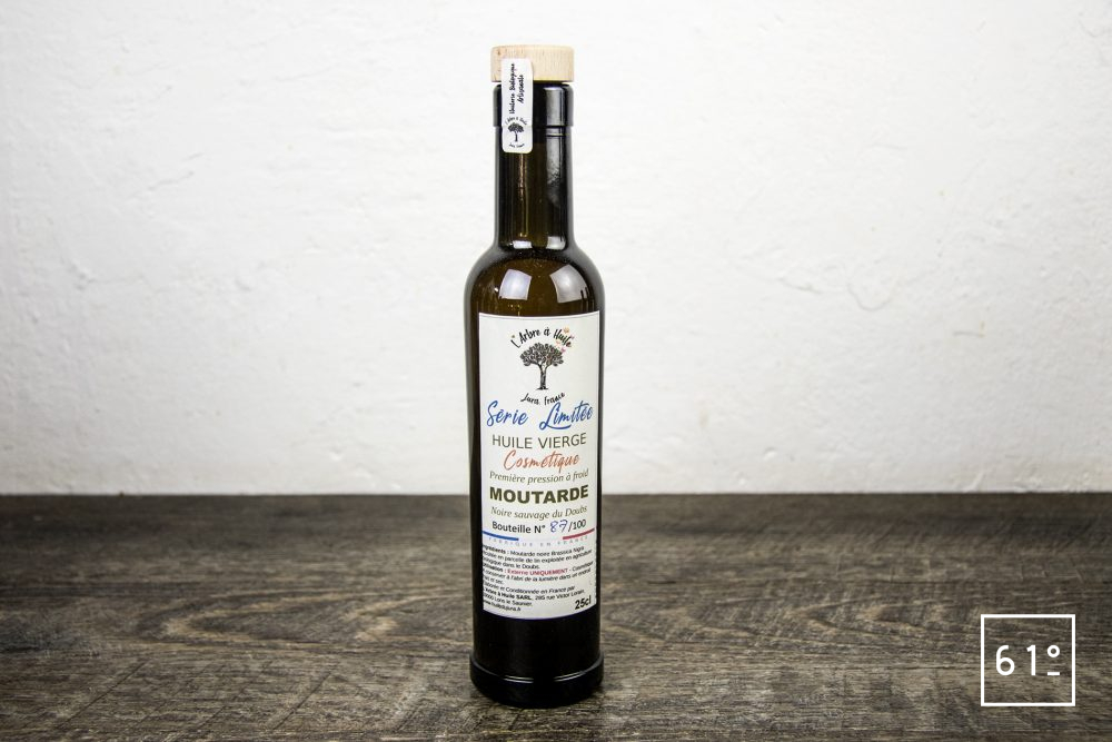 Les huiles de l'arbre à huile- huile de moutarde