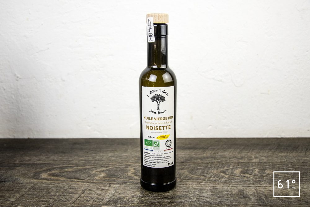Les huiles de l'arbre à huile- huile de noisette