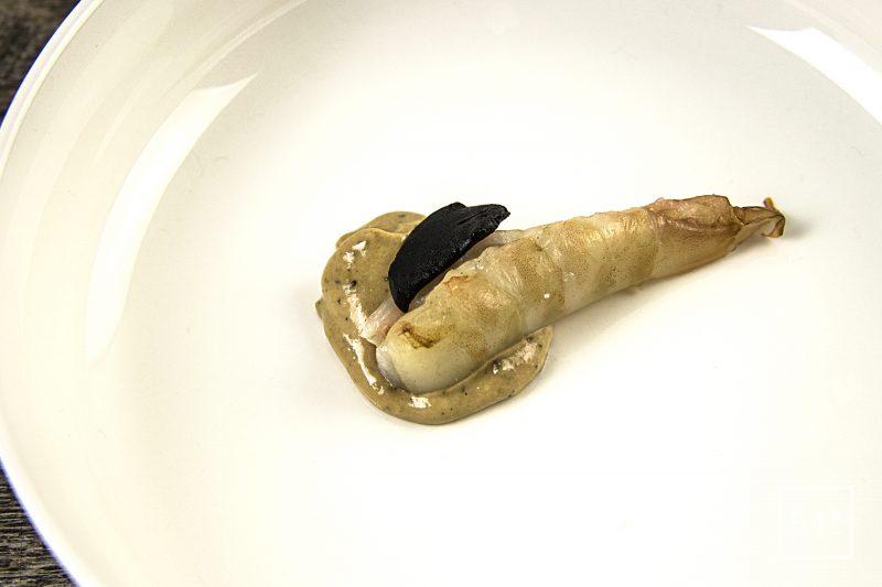 Amuse bouche gambas à la mayonnaise à l'ail noir