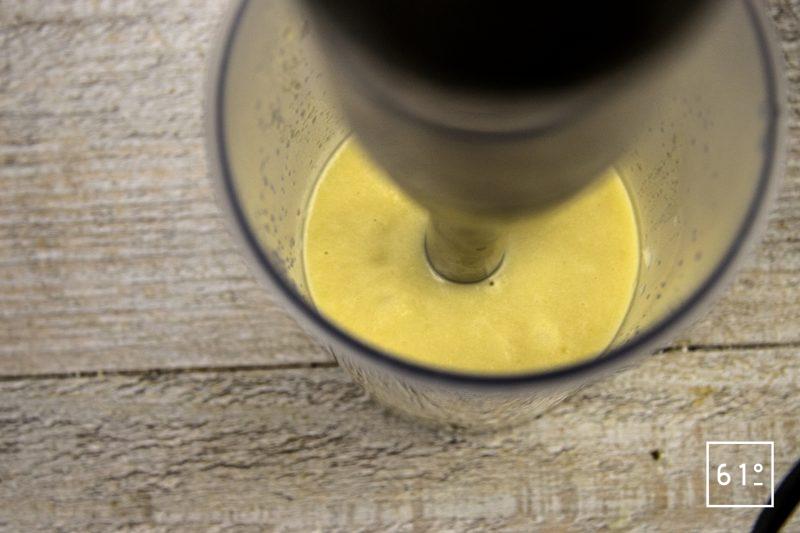 Huile d'oignons et citron - mixer