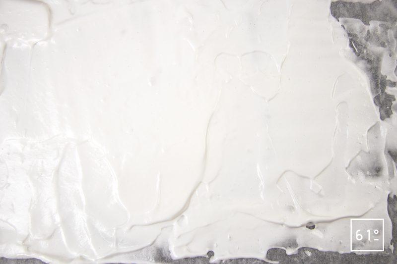 Meringue déshydratée - étaler la meringue