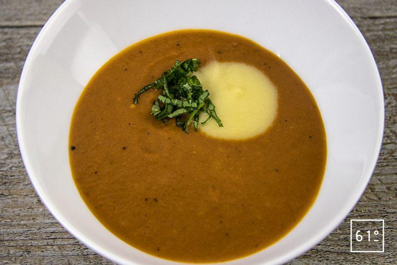 Soupe de tomate caramélisée