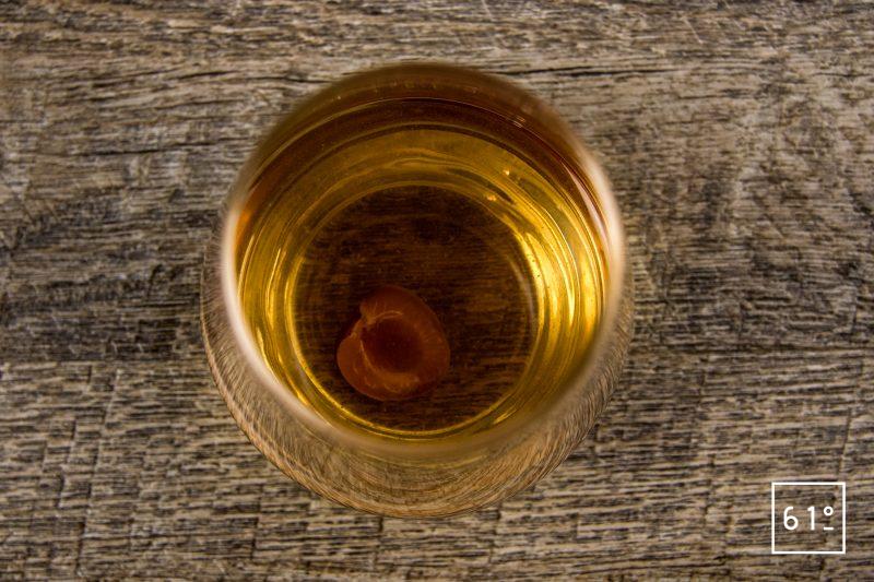 Cocktail de cascara et cerise à l'alcool