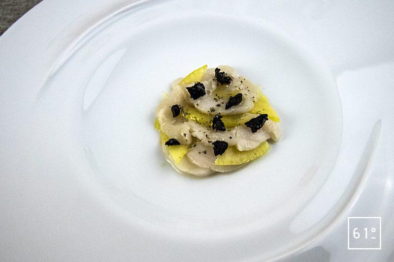 Carpaccio de Saint Jacques et cédrat mariné à l'huile d'olive noire
