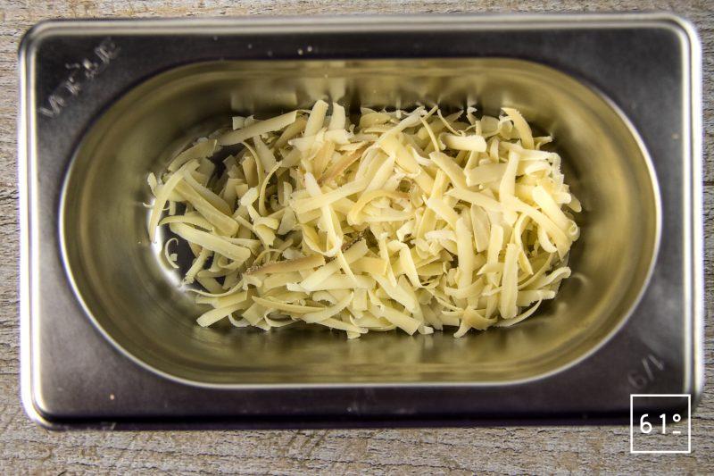 Voile de fromage ricotta fumée aux herbes - râper la ricotta fumée