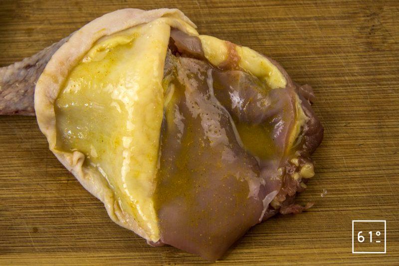 Patte de poularde de Bresse en ballotine farcie - badigeonner de sauce