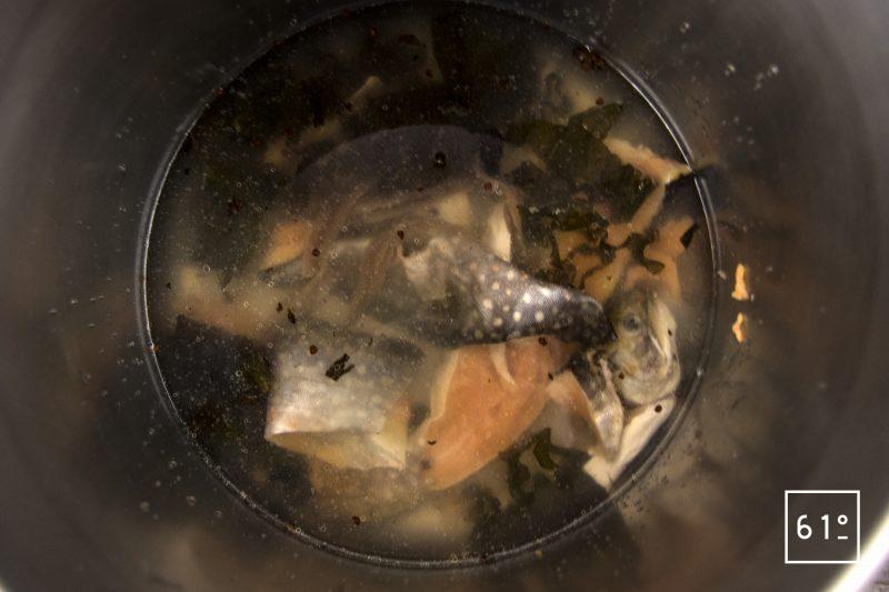 Saumon de fontaine et son gel de vin jaune - prépare le fumet