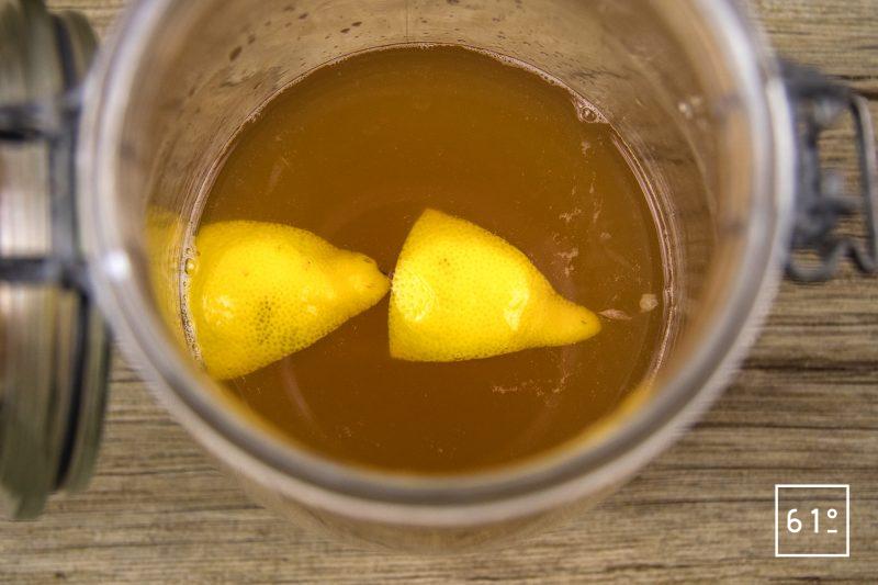 Kéfir de jus de pomme - fermenter ensemble le jus de pomme et le citron