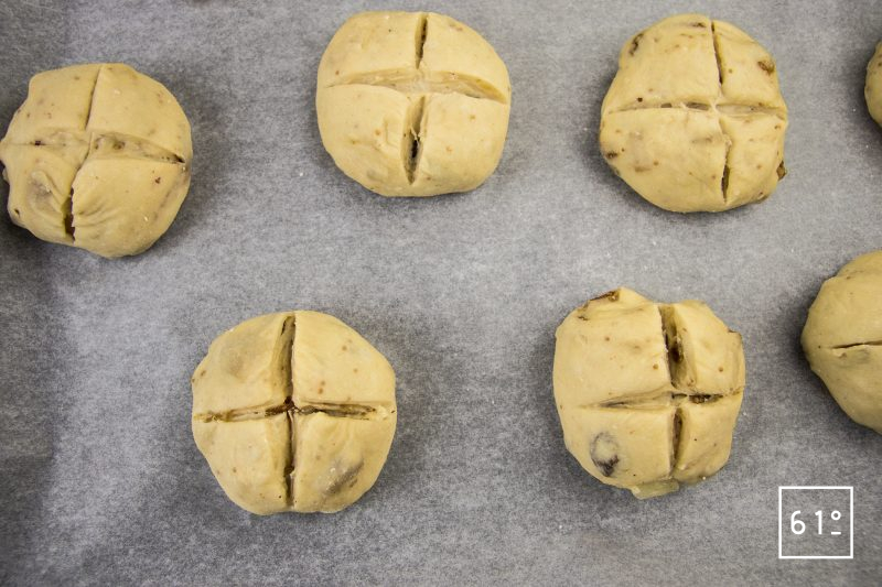 Hot cross buns - inciser en croix