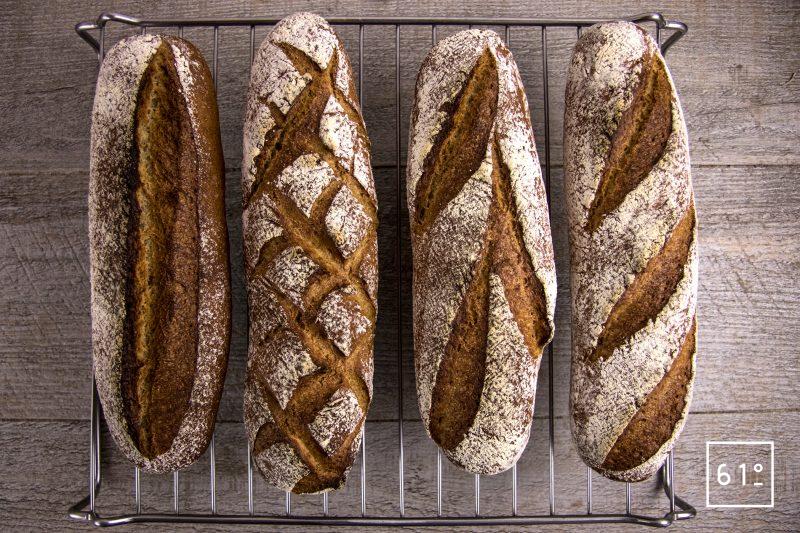 Pain aux 7 farines - laisser suer les pains sur une grille