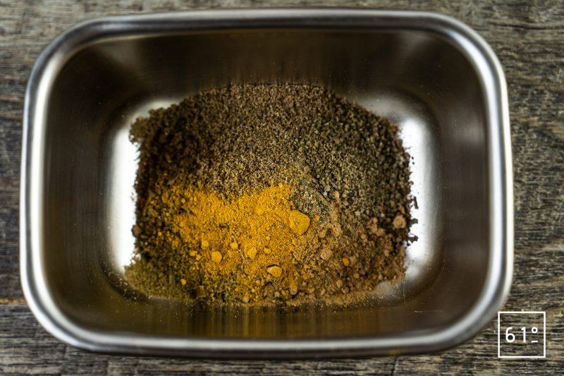 Kéfta - préparer les épices